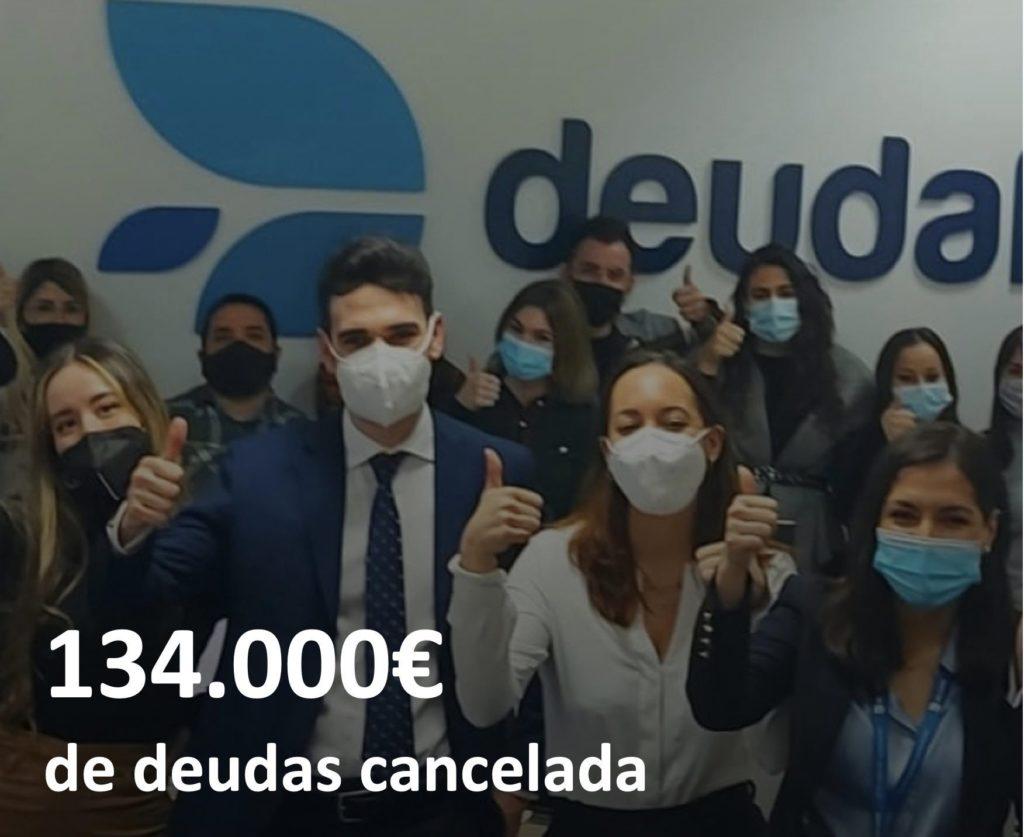 Foto de 134.000 de deudas cancelada